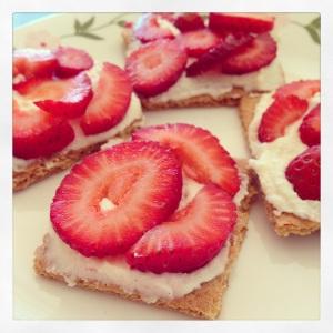 Strawberry Grahams